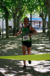 I Cursa de les Quatre Ermites de Ripoll Marc Carós arribant a la meta del passeig Ragull. Foto: Arnau Urgell