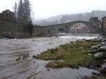 Temporal de pluja 4-6 de març El Ter al seu pas per Camprodon. Foto: Jordi Juncà