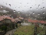 Temporal de pluja 4-6 de març La pluja des de dins d'una casa a Espinavell. Foto: Eva Martínez/Can Jordi