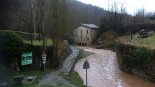 Temporal de pluja 4-6 de març La riera de l'Arçamala plena al Molí Petit de Sant Joan. Foto: CEA Alt Ter