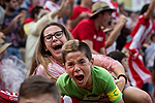 Futbol: Girona 1 - Saragossa 4 Aficionats celebrant el gol del Girona durant el partit entre el Girona i el Saragossa.