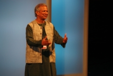 Primer Fòrum Impulsa El Nobel de la Pau Mohammad Yunus ha ressaltat el talent creatiu dels joves