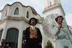 Casament, gegants i circ a la Fira Modernista de Terrassa