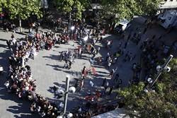 Divendres a la plaça Vella de Terrassa