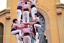 Actuació dels Minyons de Terrassa per la Fira Modernista