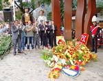 Ofrena floral per l'11-S a Terrassa
