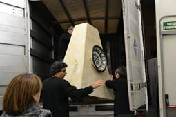 Els Pastorets del Social, vistos des de dins <p>Un cop acabades les representacions, toca carregar els decorats al camió.</p>