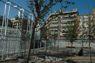 Plaça Catalunya: Les gàbies de la discòrdia
