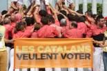 Imatges de la Colla Vella dels Xiquets de Valls a París pels 'Catalans Want to Vote'