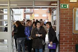 Les fotografies del 9-N Obertura de les portes en un institut de Manlleu (Osona). Foto: Adrià Costa