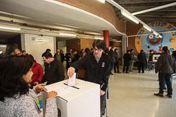 Les fotografies del 9-N Votants a Manlleu (Osona). Foto: Adrià Costa