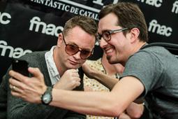 Festival Internacional de Cinema Fantàstic de Sitges 2015 Nicolas Winding Refn fotografiant-se amb un seguidor.