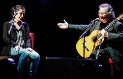Premis Enderrock 2015 Sílvia Pérez Cruz, acompanyada de Toti Soler a la guitarra, va encetar la gala