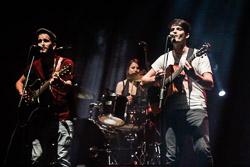 Premis Enderrock 2015 Els Catarres, tocant una cançó del seu nou disc 'Big bang'