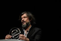 Premis Enderrock 2015 Senior i el Cor Brutal, a l'escenari recollint el guardó a Millor disc de l'any per la crítica