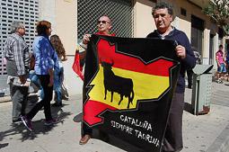 Les millors fotos de la setmana de Nació Digital   Manifestació en defensa dels bous a les Terres de l'Ebre. </br>Foto: Sofia Cabanes