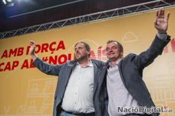 Municipals 2015 a Barcelona Oriol Junqueras i Alfred Bosch celebrant els resultats d'ERC.</br>Foto: Josep M. Montaner