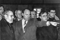El vell àlbum d'imatges dels temps feliços de Convergència i Unió El conseller Joaquim Molins, amb el diputat Enric Castellnou.