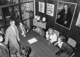 El vell àlbum d'imatges dels temps feliços de Convergència i Unió Jordi Pujol, amb alcaldes del Ripollès.