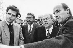 El vell àlbum d'imatges dels temps feliços de Convergència i Unió El diputat Eudald Casadesús, l'alcalde de Camprodon Mingo Pairó, el president Pujol i el conseller Joaquim Molins.
