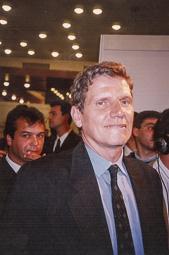 El vell àlbum d'imatges dels temps feliços de Convergència i Unió El conseller Josep Maria Cullell i Nadal, un possible successor de Pujol que va haver de dimitir el 1994.