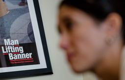 Les millors fotos de la setmana de Nació Digital   Núria Parlon, alcaldessa de Santa Coloma de Gramenet: «El PSC hauria d'estar més a l'esquerra davant l'asfixia col·lectiva».</br> Foto: Adrià Costa