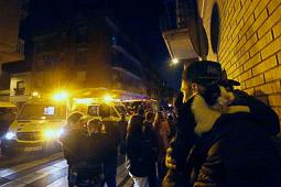 Les millors fotos de la setmana de Nació Digital <a href='http://www.naciodigital.cat/latorredelpalau/noticia/48137/nado/ferit/lleu/home/critic/incendi/terrassa'>Veïns desallotjats per un incendi en un pis  del carrer Duquessa de la Victòria de Terrassa</a>. </br> Foto: Cristóbal Castro