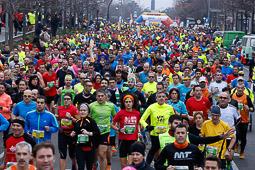 Les millors fotos de la setmana de Nació Digital <a href='http://www.naciodigital.cat/latorredelpalau/noticia/48027/castillejo/bahom/imposen/17a/mitja/marato/ciutat/terrassa'>Més de 3.200 corredors participen a la 17a Mitja Marató Ciutat de Terrassa</a>. </br> Foto: Cristóbal Castro