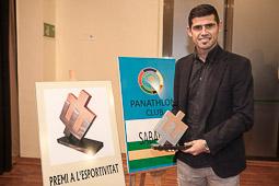 Les millors fotos de la setmana de Nació Digital <a href='http://www.naciodigital.cat/sabadell/galeria/123/pagina1/antonio/hidalgo/dese/premi/esportivitat'>L'excapità del Sabadell, Antonio Hidalgo, rep el desè Premi a l'Esportivitat</a>. </br> Foto: Juanma Peláez