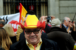Concentració de Societat Civil Catalana «El procés ens roba»