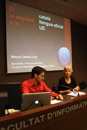 Muriel Casals, tota una vida de lluita 16/06/2010. Muriel Casals i Miquel Català, presentant els resultats de la campanya Oficialitat.cat. Foto Elisenda Rosanes.