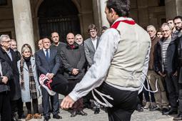 Les millors fotos de la setmana de Nació Digital <a href='http://www.naciodigital.cat/naciofotos/galeria/14167/vitoria/homenatja/lluis/llach'>Vitòria homenatja Lluís Llach</a>. </br> Foto: Jordi Borràs
