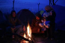 Les millors fotos de la setmana de Nació Digital <a href='http://www.naciodigital.cat/galeria/2713/pagina1/camp/refugiats/idomeni/frontera/entre/grecia/macedonia'>El tancament de fronteres als Balcans atrapa 40.000 refugiats a Grècia.</a>. </br> Foto: Sergi Cámara