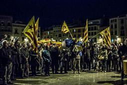 Les millors fotos de la setmana de Nació Digital <a href='http://www.naciodigital.cat/osona/noticia/50015/150/persones/es/manifesten/suport/al/regidor/cup/joan/coma'>Unes 150 persones s'ha manifestat aquest dijous al vespre a la plaça Major de Vic per denunciar l'ofensiva judicial contra l'independentisme als ajuntaments.</a>. </br> Foto: José M. Gutiérrez
