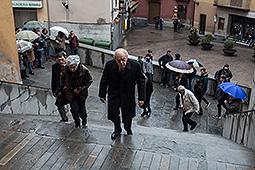 Funeral de mossèn Ballarín a Berga Jordi Pujol i Marta Ferrussola arrivant al funeral del Mossen Ballarín a Berga