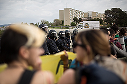Marxa estudiantil de la UAB contra el 3+2 Els estudiants han tallat la C-58 i han iniciat la marxa fins al Parlament