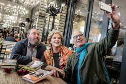 Sant Jordi 2017 <p>Xavier Theros, Pilar Rahola i David Cirici. Foto: Adrià Costa</p>