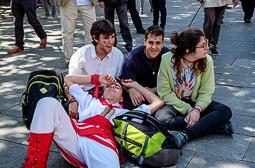 Les millors fotos de la setmana de Nació Digital <a href='http://www.naciodigital.cat/latorredelpalau/galeria/1000/cercavila/colles/bastoners/terrassa'>35è aniversari de la colla dels Bastoners de Terrassa.</a></br> Foto: Marta Maseras
