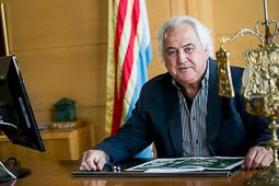 Les millors fotos de la setmana de Nació Digital <a href='http://www.naciodigital.cat/garrotxa/noticia/15727/corominas/veurem/abans/hospital/sant/jaume/reformat/variant'>Un any després de les eleccions municipals, l'alcalde d'Olot, Josep M. Corominas repassar la feina feta al consistori i assegura tenir un govern estable gràcies al pacte de govern amb el PSC.</a></br> Foto: Martí Albesa