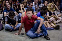 Les millors fotos de la setmana de Nació Digital <a href='http://www.naciodigital.cat/galeria/2790/pagina1/eleccions/26-j/nit/electoral/comu/podem'>Cares llargues, entre els seguidors d'En Comí Podem pels resultats obtinguts a nivell estatal .</a></br> Foto: Adrià Costa