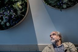 Les millors fotos de la setmana de Nació Digital <a href='http://www.naciodigital.cat/noticia/110861/quan/grolleria/esdev/art'>L'actor Ricard Borràs ha traduït «Les mots i la chose», una peça breu sobre les possibilitats de la llengua, obra del guionista i escriptor Jean-Claude Carrière..</a></br> Foto: Adrià Costa