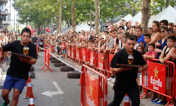 Les millors fotos de la setmana de Nació Digital <a href='http://www.naciodigital.cat/latorredelpalau/galeria/1065/pagina1/cursa/cambrers/festa/major/terrassa'>Cursa de Cambrers de la Festa Major de Terrassa.</a></br> Foto: Cristóbal Castro
