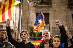 Concentració celebració pacte govern a Girona