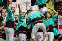 Les millors fotos de la setmana de Nació Digital <a href='http://www.naciodigital.cat/naciofotos/galeria/14773/diada/sant/felix/vilafranca/penedes'>Un Sant Fèlix per a la història. La Colla Vella va descarregar un pòquer de gamma extra, els Castellers de Vilafranca carreguen el 4 de 10, els Minyons el 3 de 10 i la Jove el 4 de 9 sense folre.</a></br> Foto: Carla Andreu