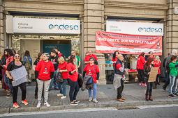 L'Aliança contra la Pobresa Energètica ocupa la seu d'Endesa