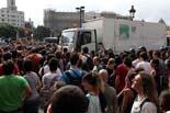 Desallotjament de l'acampada a la Plaça Catalunya (2)