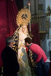 Eleccions andaluses 2015 Els sevillans segueixen amb la rutina quotidiana a l'espera del tancament dels col·legis.
