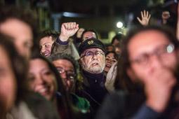 Eleccions andaluses 2015 Simpatitzants de Podemos celebrant els resultats.