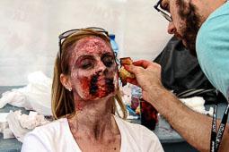 Festval Internacional de Cinema Fantàstic de Sitges 2014 (II) 04/10/2014 Sessió de maquillatge a la platja de Sant Sebastià.