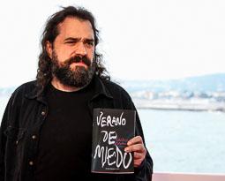 Festval Internacional de Cinema Fantàstic de Sitges 2014 (II) 07/10/2014 L'autor de «Verano de Miedo», Carlos Molinero, guanyador el Premi Minotauro 2014.